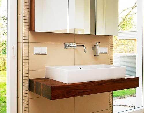 m bel aus bierkisten haus design und m bel ideen. Black Bedroom Furniture Sets. Home Design Ideas